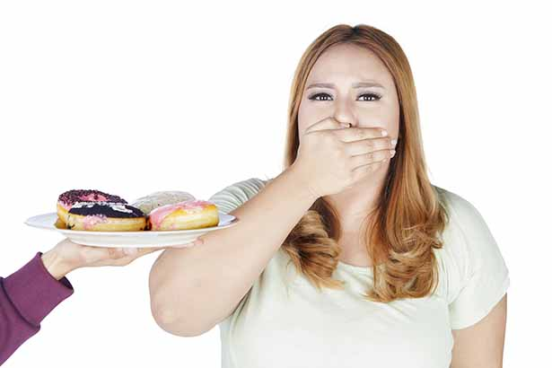 Picture of a girl closing her mouth - is it the best carb blocker?