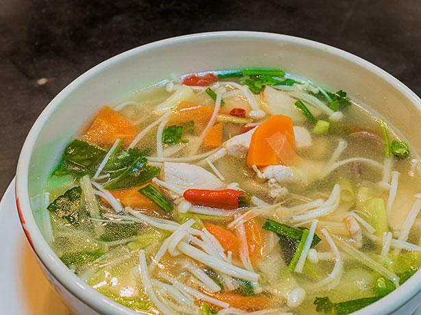 "Thai Chicken With ""Low Carb Noodles"" (Enoki Mushrooms)."