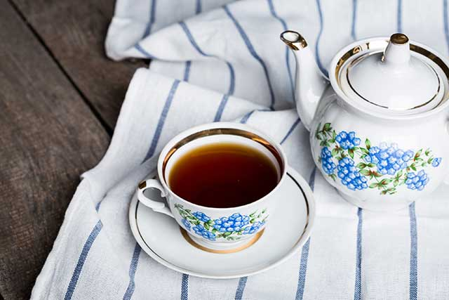 How To Make the Perfect Cup of Black Tea (and Delicious Recipes)