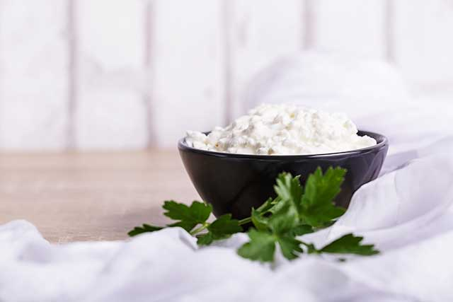 Swell 5 Nutrition Benefits Of Ricotta Cheese And How To Use It Beutiful Home Inspiration Semekurdistantinfo